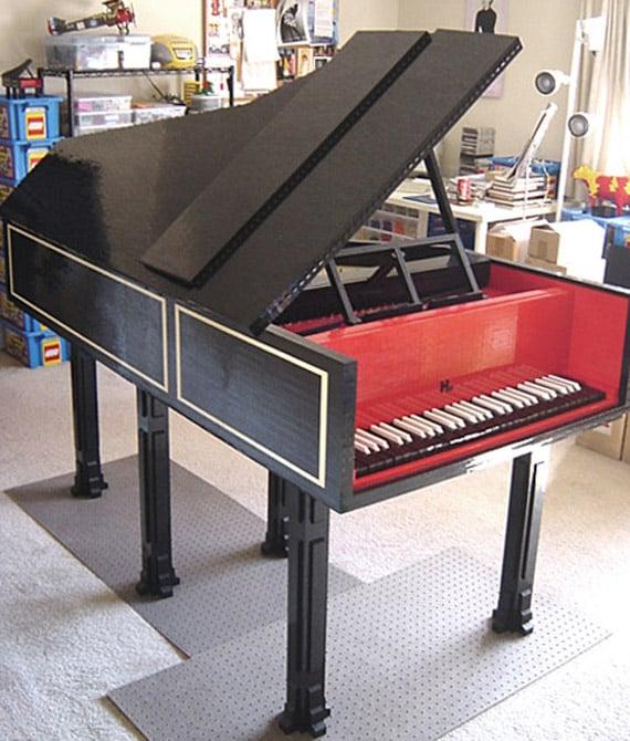 LEGO harpsicord piano