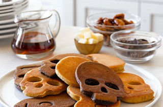 Skull-Shaped Pancake Mold