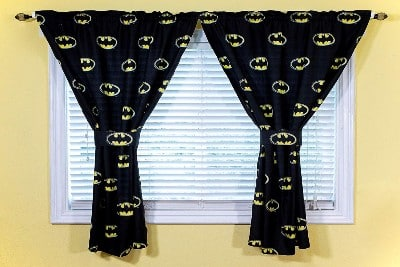 JPI DC Comics Batman Bedroom Curtains and Tiebacks for kids room